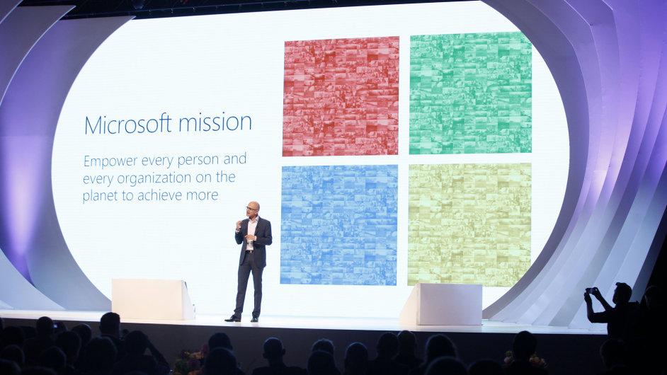 Šéf Microsoftu Satya Nadella na konferenci v Praze