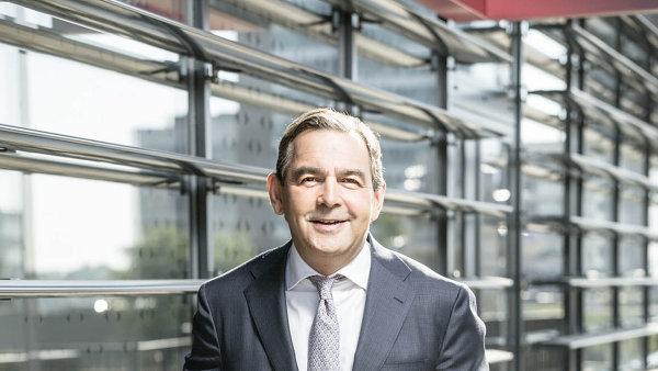 Nerozkazuje nám Vídeň nebo Paříž, ale prosazujeme české zájmy, říká šéf Monety Money Bank