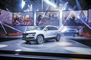 Škoda již začala s předprodejem nového SUV Karoq. K dispozici je pouze ve vyšší výbavě od 530 tisíc korun