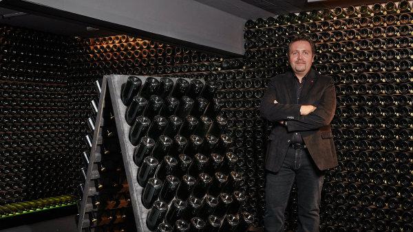 Sklepmistr Nicolas Jaeger ze šampaňského domu Alfred Gratien