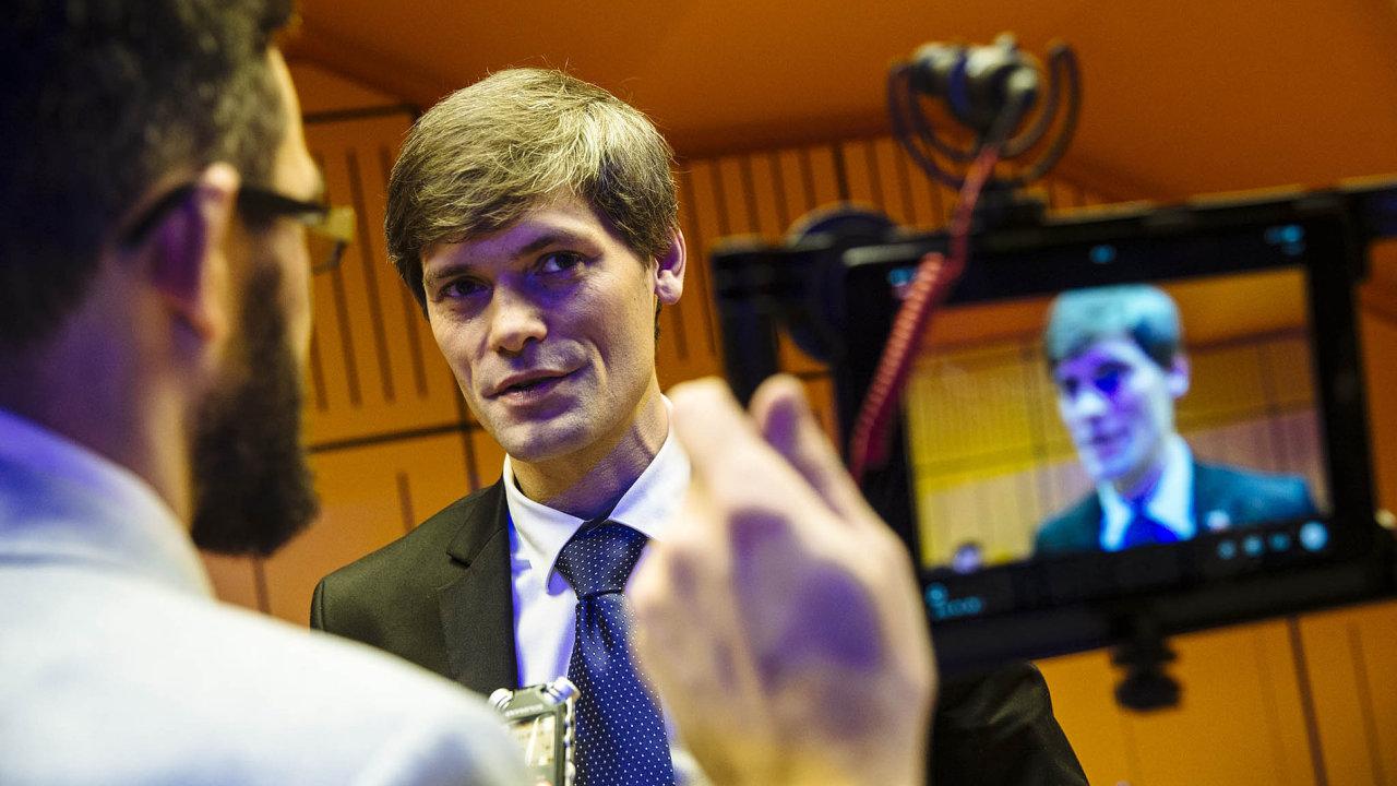 Marek Hilšer potvrdil, že bude kandidovat doSenátu, dožádné strany vstupovat nechce.