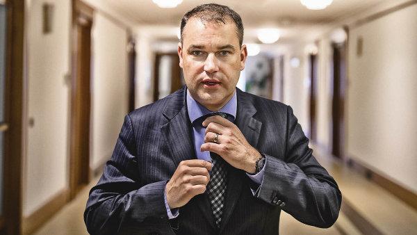 Viceguvernér České národní banky Mojmír Hampl.