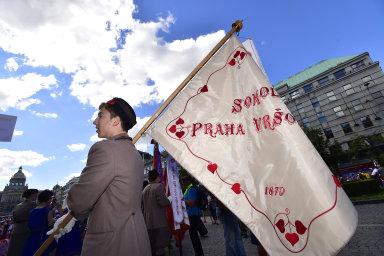 Tisíce sokolů z Česka i zahraničí prošly Prahou. Zahájili slet, který připomíná 100 let od založení Československa