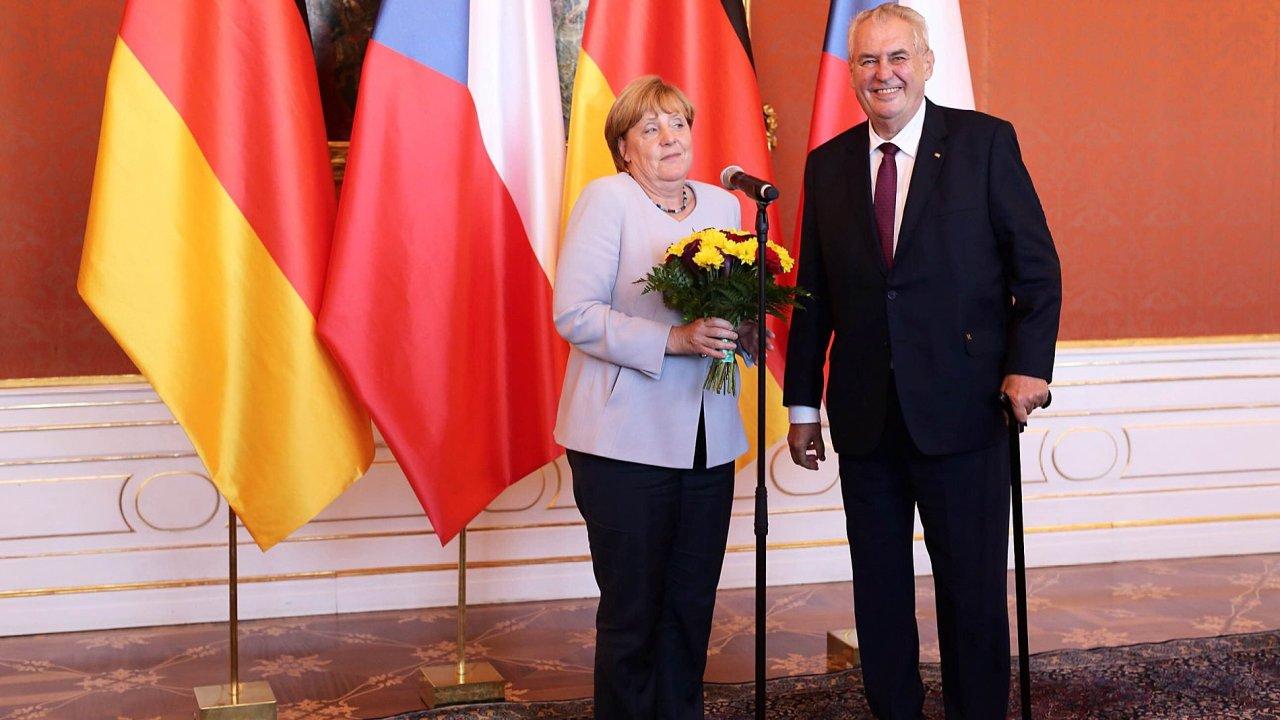 Český prezident Miloš Zeman přijal kancléřku Angelu Merkelovou na Pražském hradě.