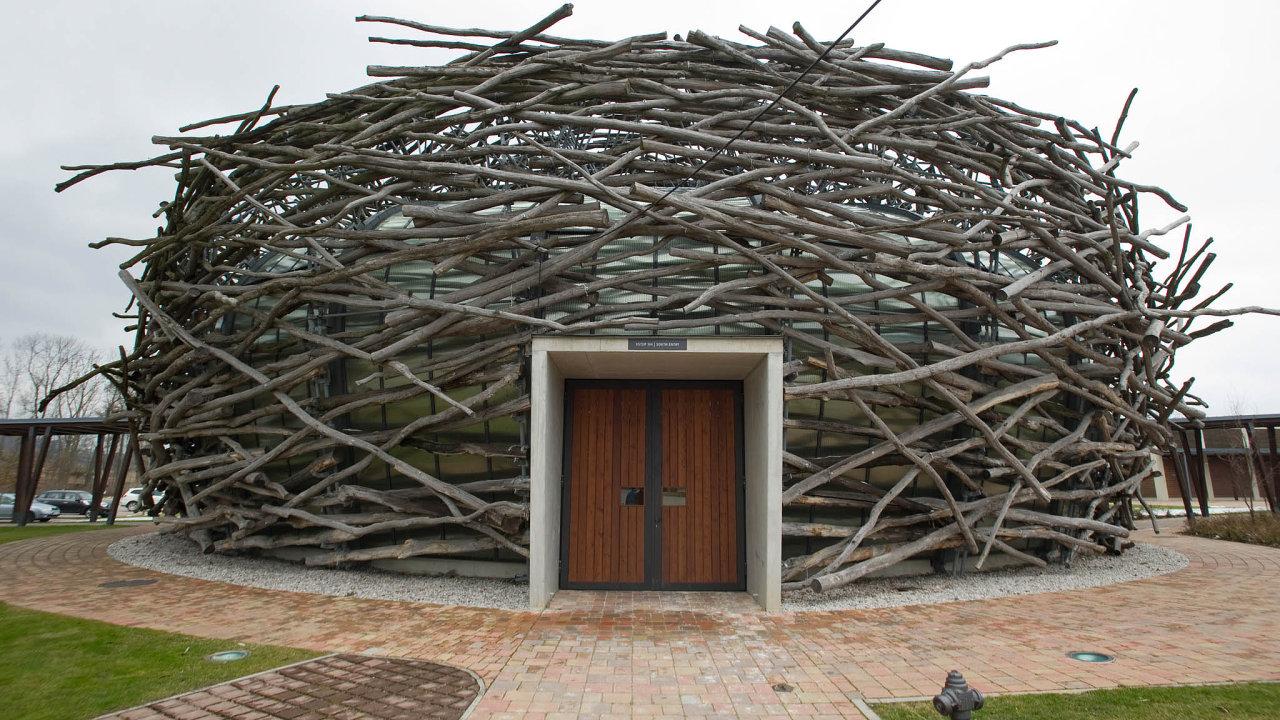Čapí hnízdo je rekreační a konferenční areál u Olbramovic ve Středočeském kraji. V současné době ho vlastní společnost Imoba.