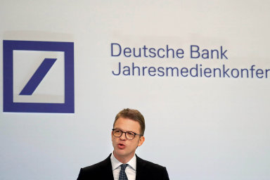 Šéf Deutsche Bank Christian Sewing.