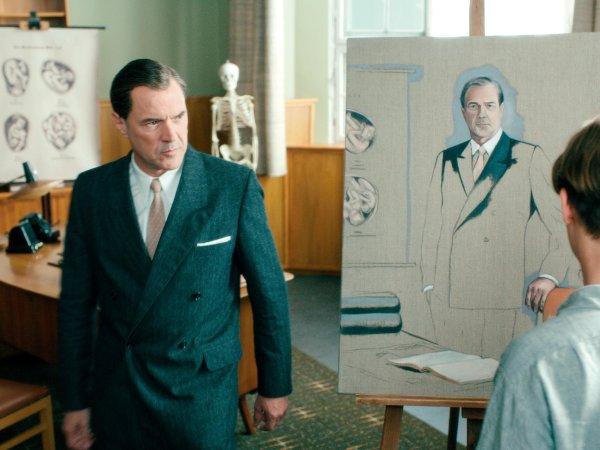 Filmový Gerhard Richter maluje svého tchána, gynekologa, který lpěl na čistotě rasy a uspěl jak v nacistickém, tak komunistickém i demokratickém režimu. Všehoschopné monstrum v brilantním podání Sebastiana Kocha.