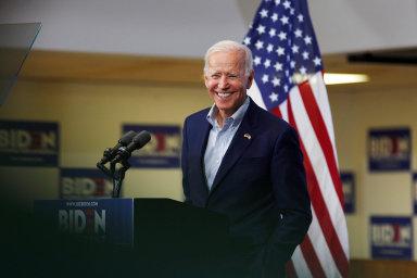 Někdejší viceprezident Joe Biden, který patří k favoritům demokratického klání, je prozatím na čtvrtém místě.