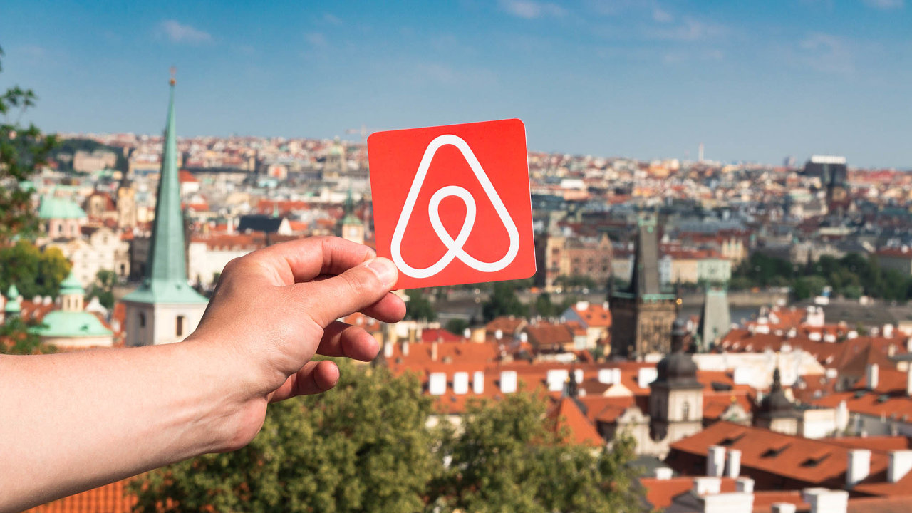 V Praze se přes Airbnb průběžně pronajímá kolem 10 tisíc bytů.