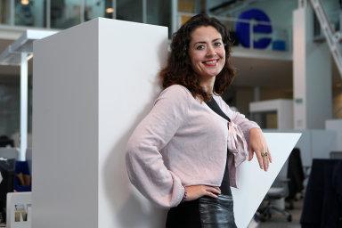 Julie Hrstková, komentátorka Hospodářských novin