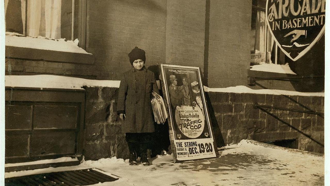 Jedenáctiletý prodavač novin, Burlington, Vermont, 17. prosince 1916.