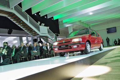 V září světel. Představení Škody Felicia už mělo všechny náležitosti akce, v níž se prezentuje sebevědomá automobilka.