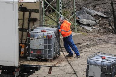 Vareálu u severočeské vesnice Hamr naJezeře působí firma Purum odroku2002. Provozuje tu úpravnu, která chemickou cestou neutralizuje odpady.