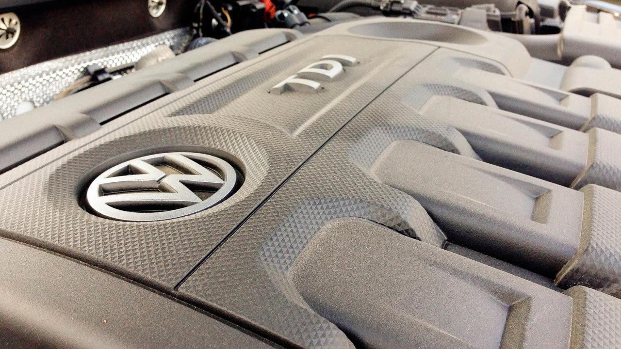 Podvody s měřením emisí u dieselových motorů přišly koncern Volkswagen v přepočtu už na stovky miliard korun.