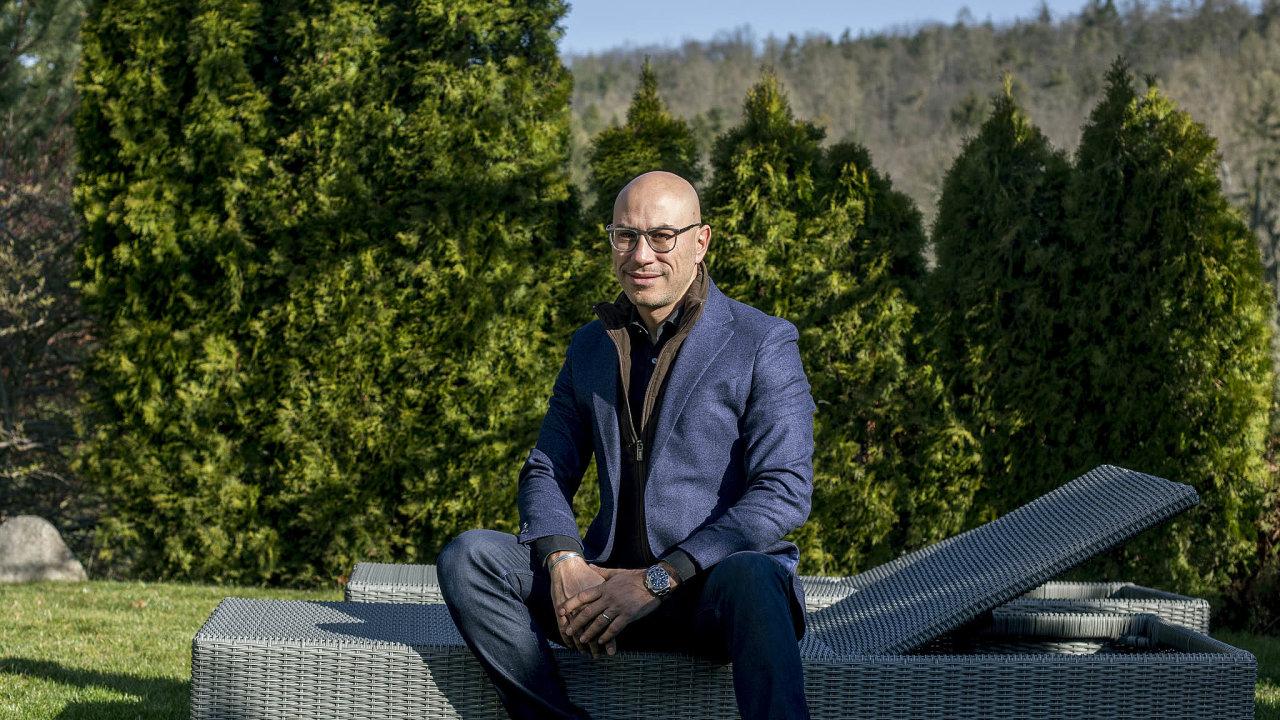 Stefano Santangelo je šéfem české pobočky americké farmaceutické firmy MSD.