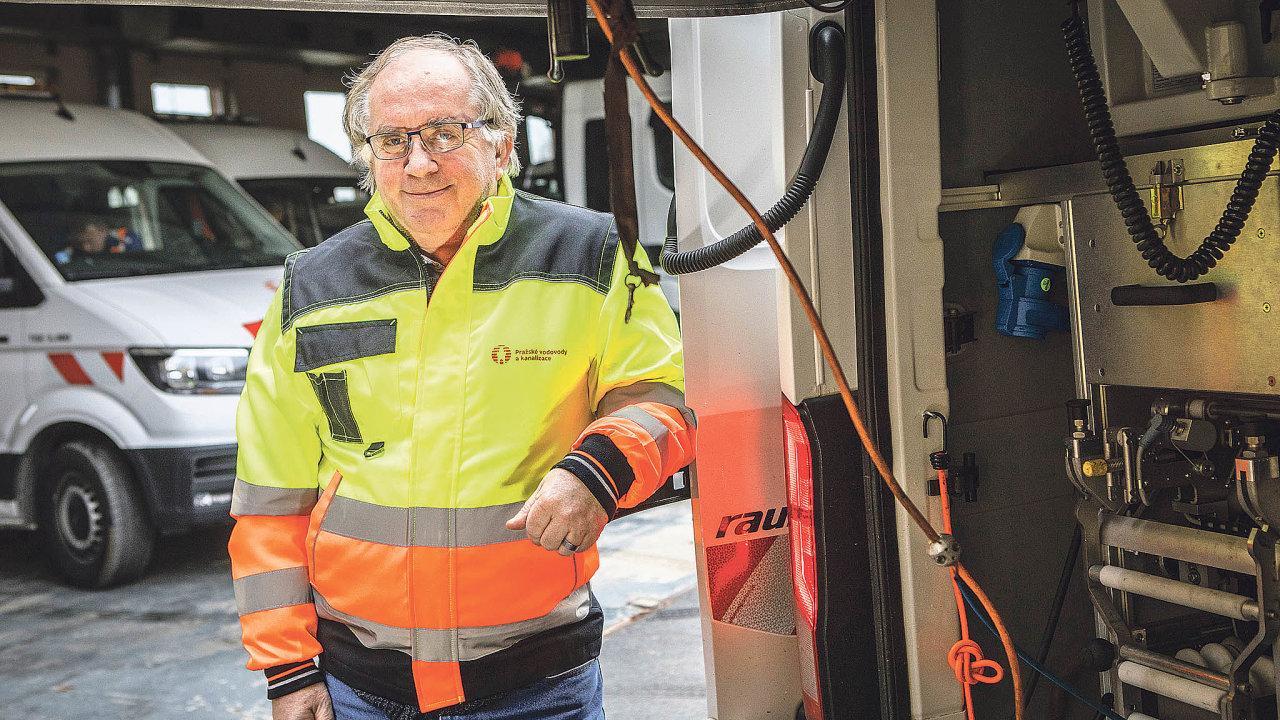 Jan Bernát, vedoucí oddělení průzkumu stokové sítě Pražských vodovodů akanalizací.