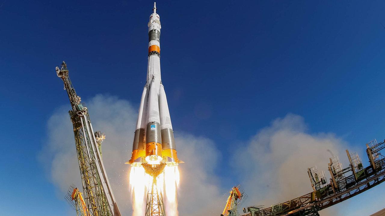 Kosmická loď Sojuz MS-10 nesoucí kosmonauty Nicka Hague z USA a Alexeyho Ovchinina z Ruska vyráží k ISS z kosmodromu Baikonur v Kazachstánu (11. října 2018).