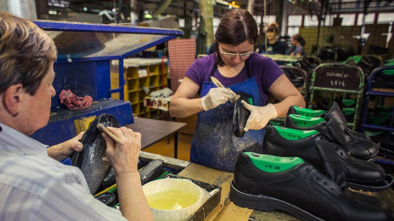 Obuvnický podnik Prabos zeSlavičína, města naZlínsku, ročně vyrobí přibližně 271 tisíc párů bot.