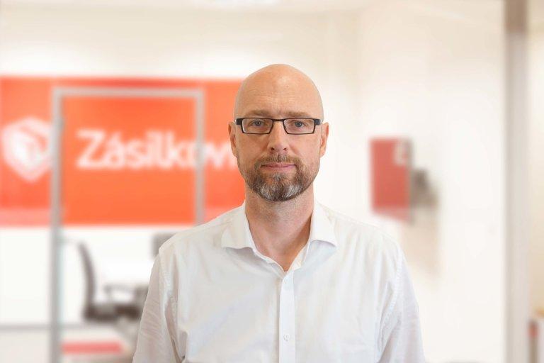Dalibor Svoboda (45) absolvoval Vysokou školu chemicko-technologickou v Praze.