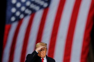 Trumpovi hrozí odvolání. Návrh už podepsalo 180 členů Kongresu