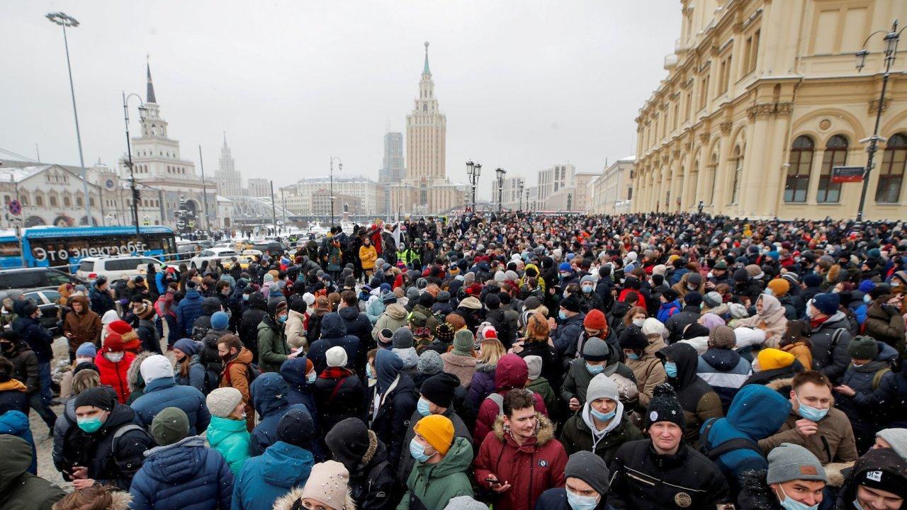Jedna z moskevských demonstrací na podporu Alexeje Navalného, nejvýraznějšího představitele ruské opozice.