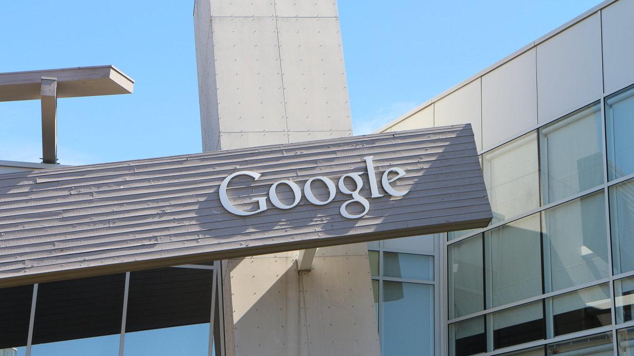 Google staví on-line vzdělání na úroveň bakalářského studia, zájemcům o práci stačí půlroční kurz.