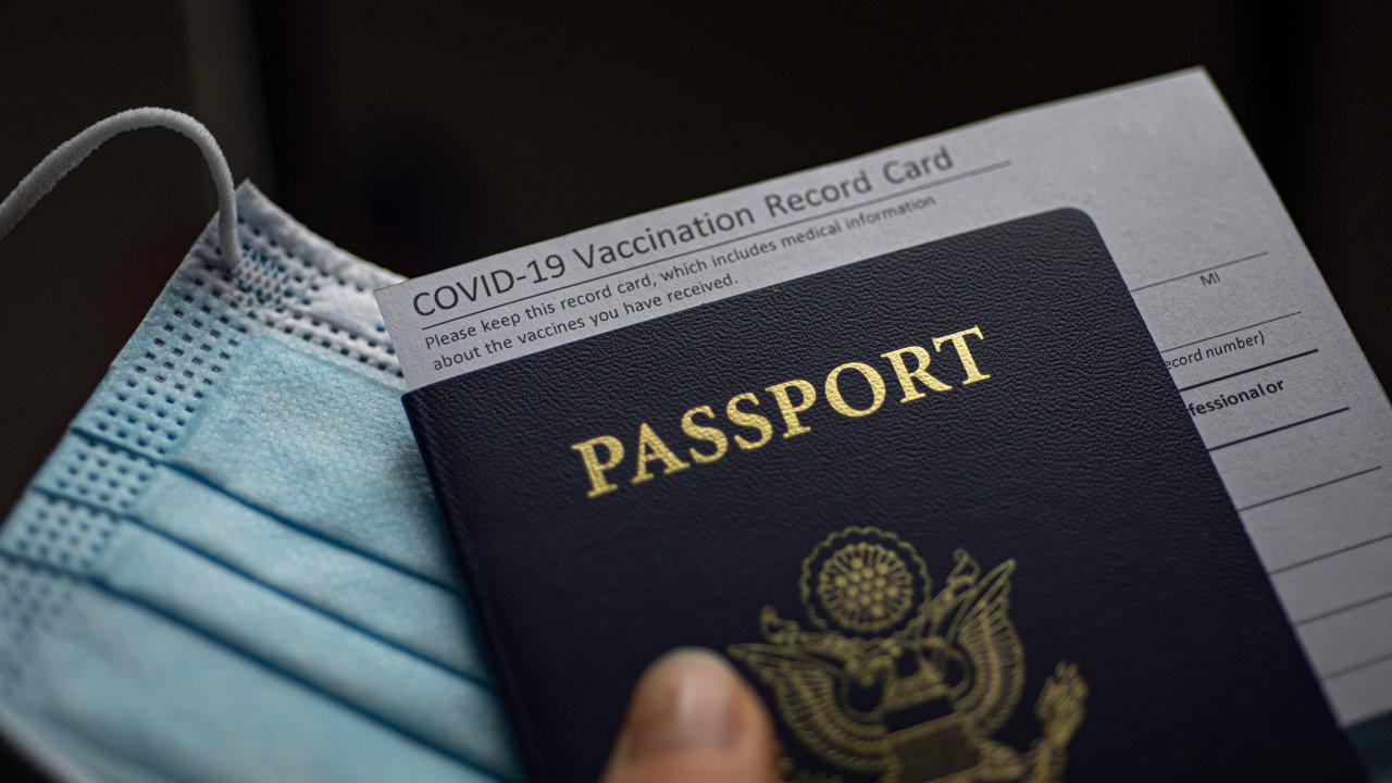 Evropské covid pasy mají usnadnit cestování během pandemie.