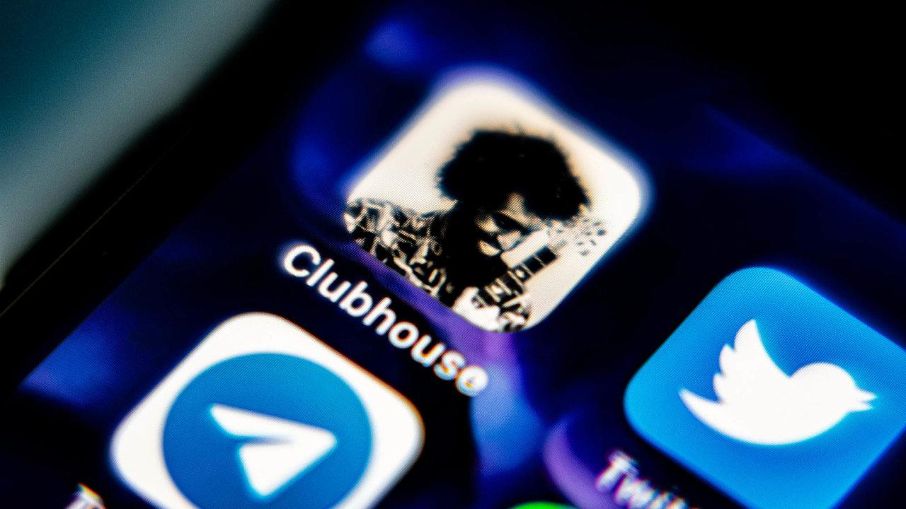 Katmosféře výlučnosti přispívá základní podmínka členství: pro vstup do Clubhousu musí zájemce dostat osobní pozvání od stávajícího uživatele sítě.