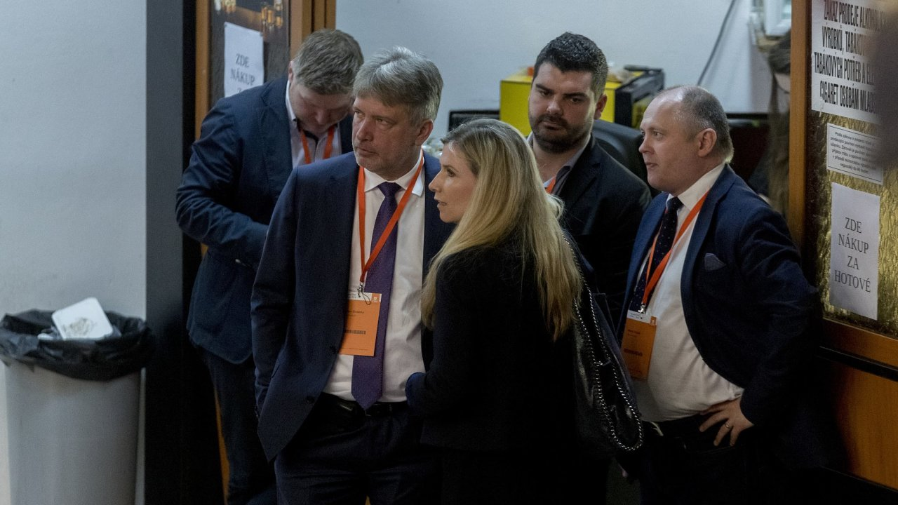 Bývalý primátor Brna Roman Onderka (vlevo) na kandidátce chyběl. K jeho politickému comebacku přispělo i letité spojenectví s Michalem Haškem (vpravo), který má v ČSSD stále velmi silné slovo.