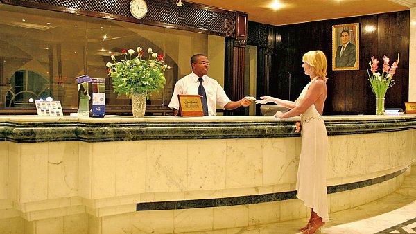 Hotelová recepce - ilustrační foto
