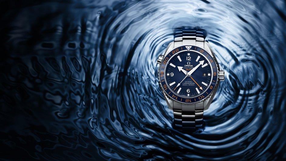 Mezi novinkami letošního roku jsou i luxusní sportovní hodinky pro potápěče.