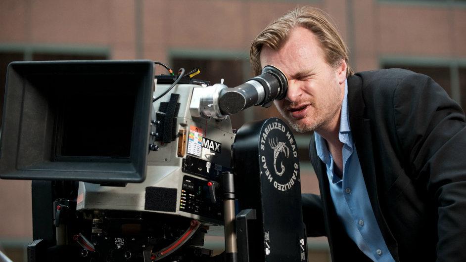Christopher Nolan při natáčení zatím posledního snímku Temný rytíř povstal (2012)