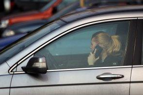 Opatrně v zahraničí: Němci rozdají vyšší pokuty za telefonování i ekozóny