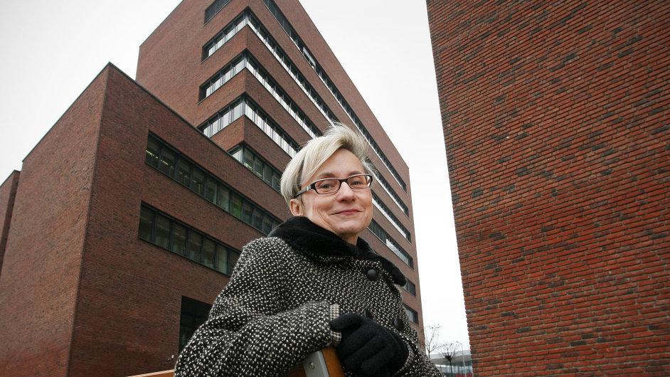 Koučka a psychiatrička Jana Peclová se zabývá syndromem vyhoření.