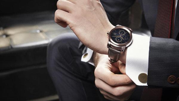 Huawei a LG v Barcelon� ukazuj�, jak se d�laj� chytr� hodinky