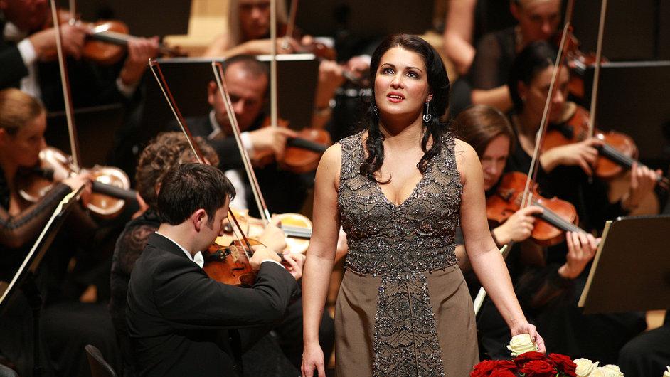 Anna Netrebko vystoupí 10. července v Obecním domě.