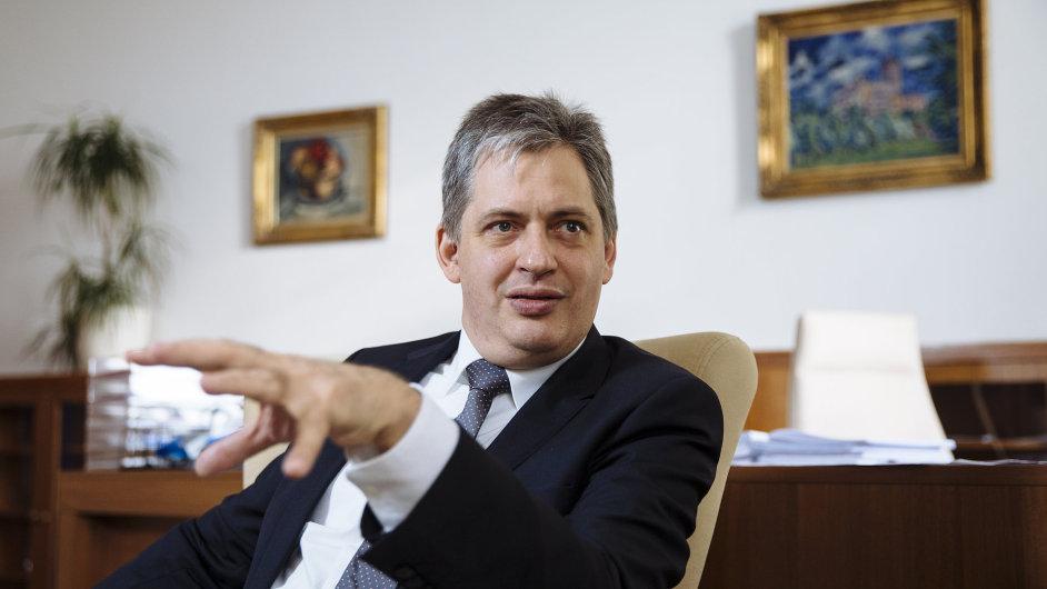 Novelu zákona o střetu zájmů připravil tým Jiřího Dienstbiera.