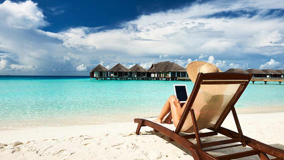 Chcete najít nejlepší místo nadovolenou aužít si namístě něco jiného,než co nabízejí cestovní kanceláře aturističtí průvodci? Díky internetu achytrým telefonům je to snadné.