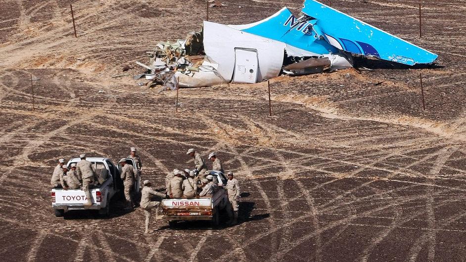 Podle Rusů to byl terorismus. Trosky ruského letadla na Sinaji.