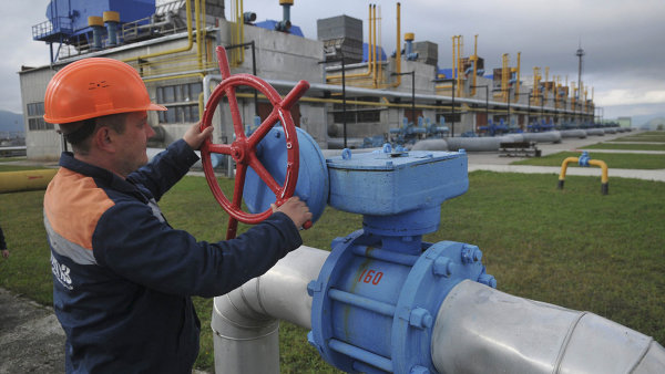 Gazprom zlevnil plyn, aby si udržel své místo na Ukrajině.