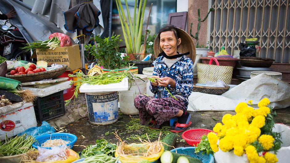 Vietnamci se většinou v prvním momentě stydí, stačí se ale srdečně usmát a veškeré ledy se hned prolomí.