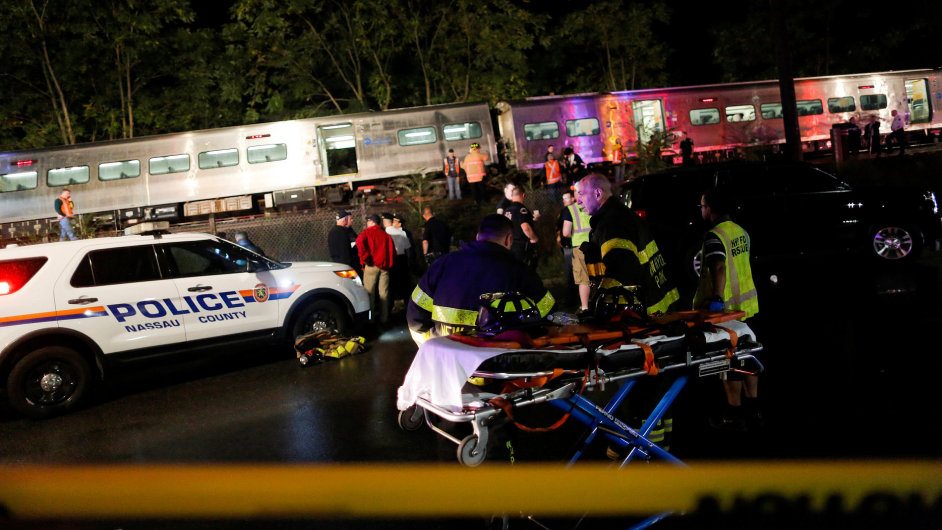 Nehoda, vlak, New York, Long Island