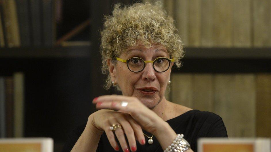 Izraelská spisovatelka Lizzie Doronová představila v Praze svoji knihu Kdo je to sakra Kafka.