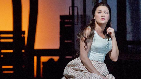 Taťána Anny Netrebkové je dokladem očistné síly Čajkovského opery Evžen Oněgin.