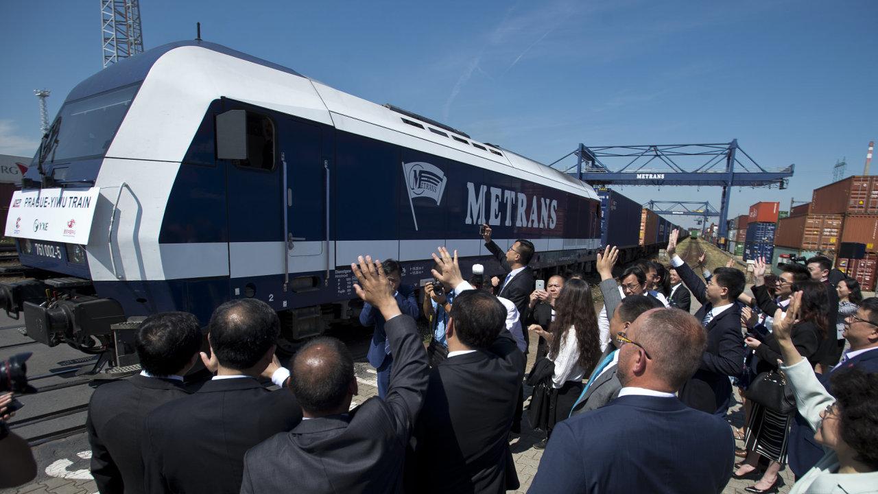 Z terminálu společnosti Metrans v Praze vyjel první přímý vlak z ČR do Číny.