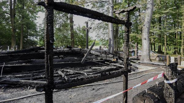 Kostel Božího těla v Třinci po požáru.