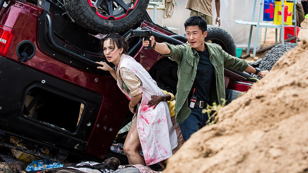 Čínský film Wolf Warriors 2 natočil a hlavní roli v něm ztvárnil Wu Ťing, odborník na akční scény a pomyslný nástupce Jackieho Chana či Jet Liho.