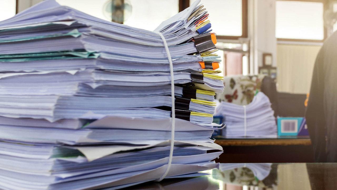 Zákon o DPH měla od 1.1. 2017 upravit rozsáhlá technická novela. Legislativní proces však byl natolik zdlouhavý, že bylo nezbytné odložit navrhovanou účinnost novely až na 1.4.2017 - ilustrační foto.