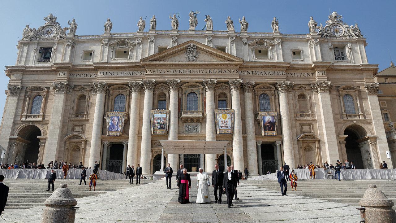 Papež František ve Vatikánu.