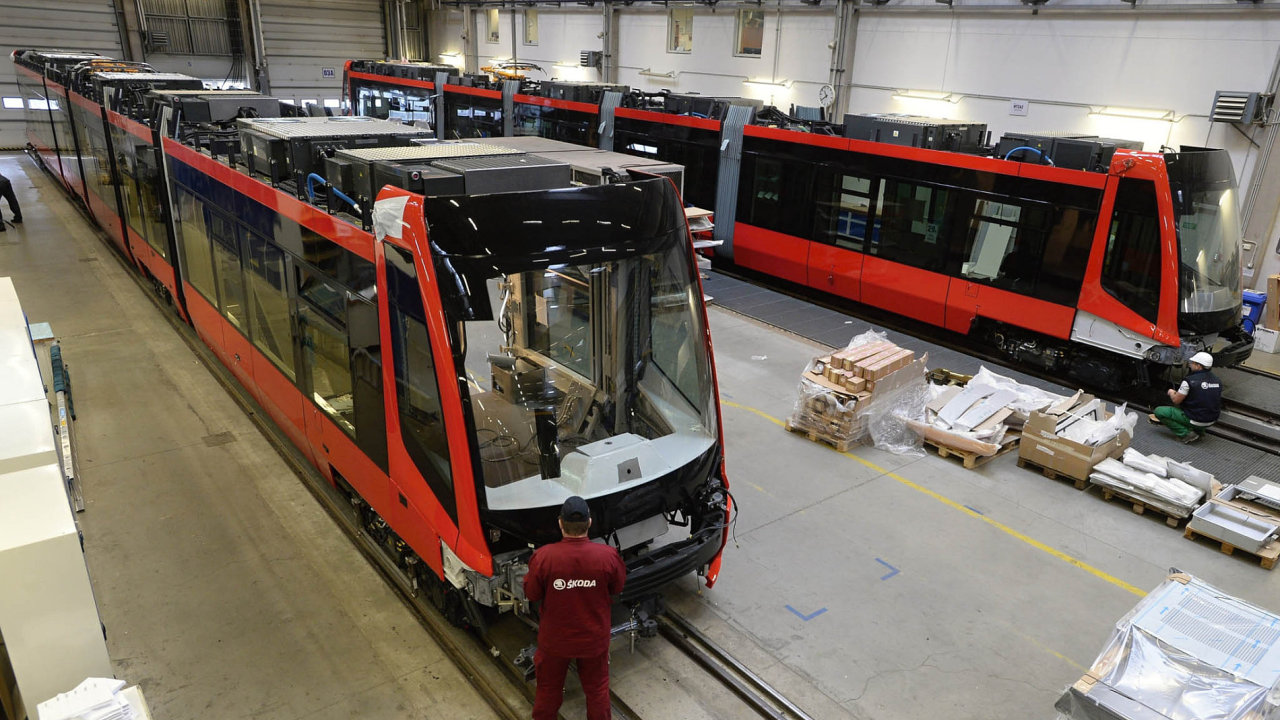 Škoda Transportation vyrábí tramvaje, příměstské elektrické vlaky, lokomotivy, soupravy metra, trolejbusy nebo elektrobusy.